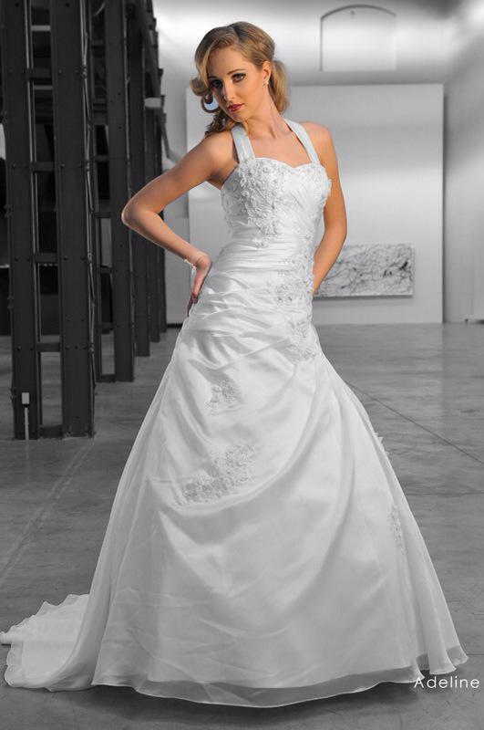 Svadobné šaty Adeline od Emil Halahija