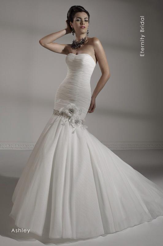 Svadobné šaty Ashley od Emil Halahija