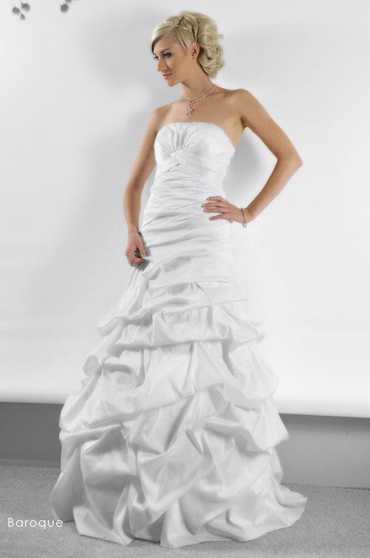 Svadobné šaty Baroque od Emil Halahija