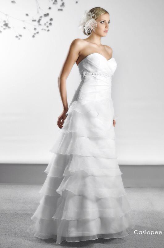 Svadobné šaty Casiopee od Emil Halahija
