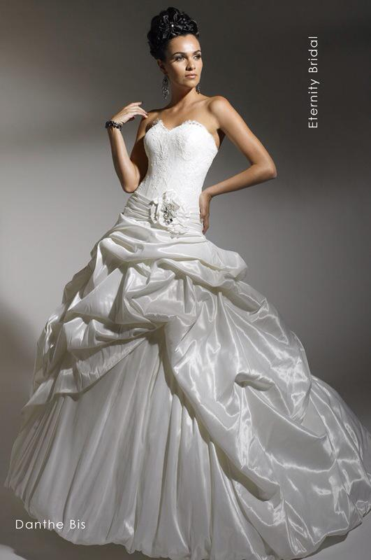 Svadobné šaty Danthe Bis od Emil Halahija