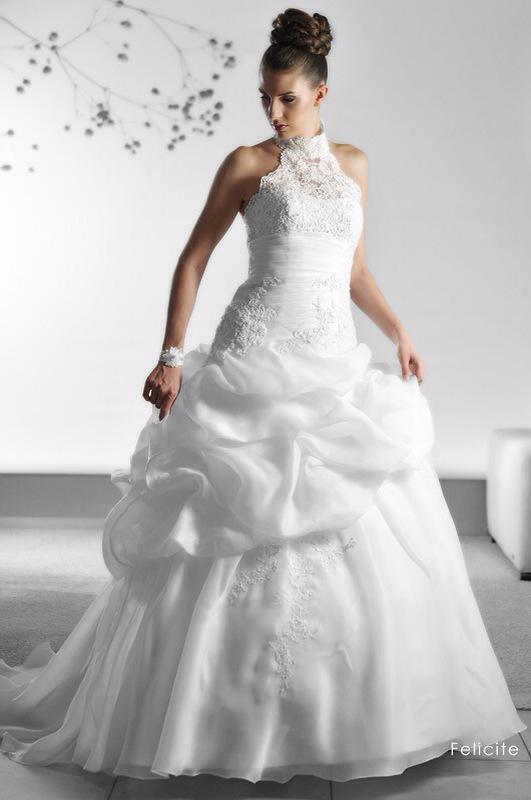 Svadobné šaty Feticite od Emil Halahija
