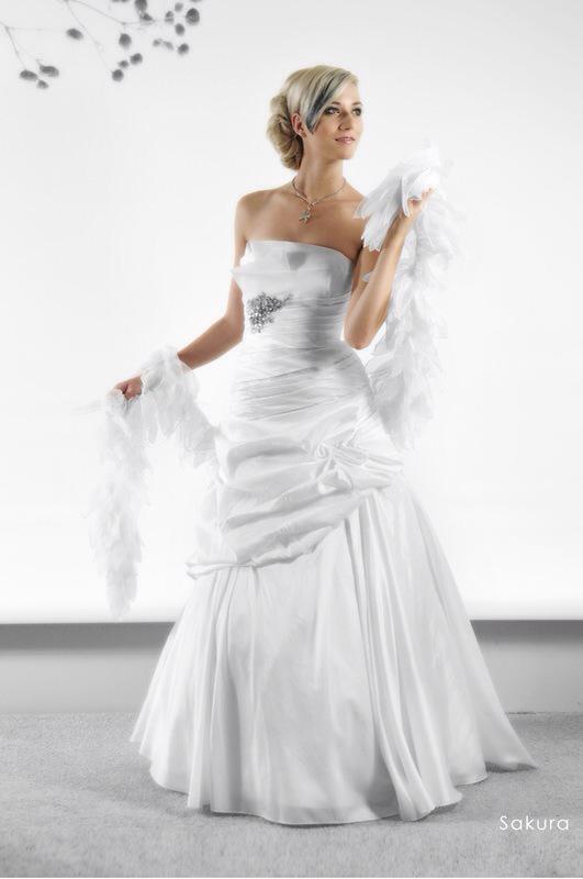 Svadobné šaty Sakura od Emil Halahija