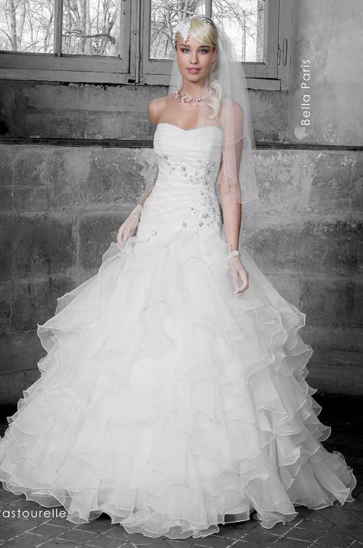 Svadobné šaty Astourelle od Emil Halahija