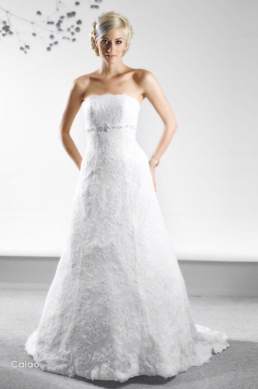 Svadobné šaty Calao od Emil Halahija