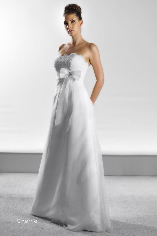 Svadobné šaty Cherrie od Emil Halahija