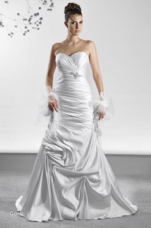 Svadobné šaty Cora od Emil Halahija