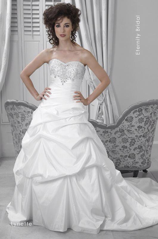 Svadobné šaty Lynette od Emil Halahija