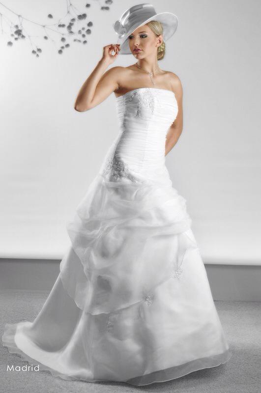 Svadobné šaty Madrid od Emil Halahija